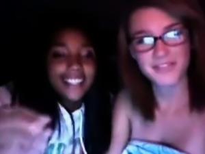 Two slutty teens get horny on MSN