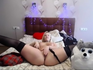 BBW blonde busty babe hot blowjob as she bobs her big boobs