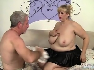 Pretty and sexy big titted plumper gets her big boobs