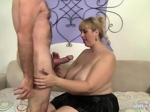 Horny shemale fucks and get fucked bareback