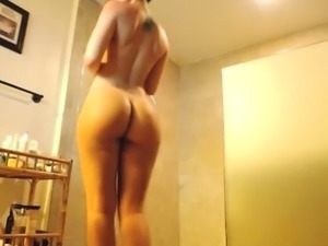 Amateur Brunette Shower Sextape