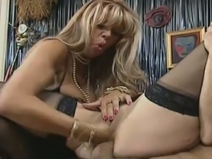 barbara, babette blue, roberto malone - mature sluts are giving pleasure to...