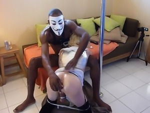 Trashy white bitch sucking my dick deepthroat in interracial homemade video