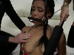 American submissive black slut Jessica Creepshow is ready to work on cunt