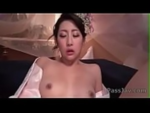 Yuna Shiratori&nbsp_sweet solo in a steamy masturbation scene