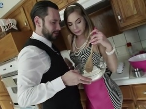 Tommy Pistol is happy to be sucked by naughty hottie in apron Sydney Cole