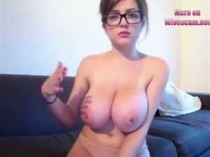 Unbelievably good webcam model with big boobs loves showing off her tits