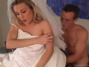 Beautiful blonde with a shaved pussy enjoying a hardcore threesome