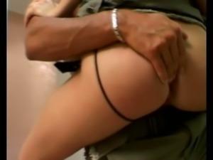 Horn-mad dude makes leggy hottie Melanie groan while fingering her twat