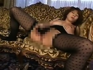 Solo japanese ho toys her sweet pussy in hi definition