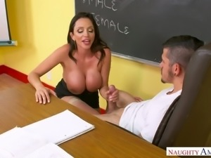 Huge breasted MILFie tutor Ariella Ferrera gives a really good titfuck to her...