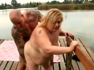 Fat whore Amanda loves muscular men and she likes getting fucked from behind