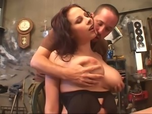 Gianna Michaels is easy to remember and this boobalicious beauty loves a dick