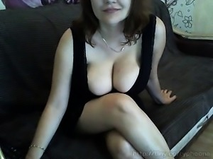 babe squirtgaganalbbwcouple flashing boobs on live webcam