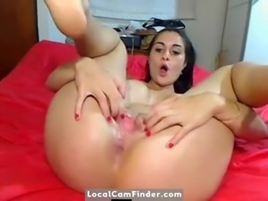 Webcam Latina gets both her clean fuck holes plugged