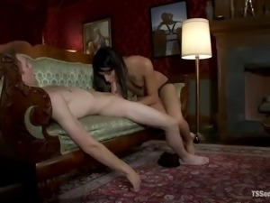 great bondage sex with a kinky shemale