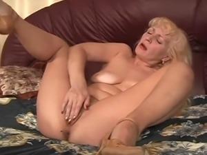 russian fucking mommy viki, 61 y.o