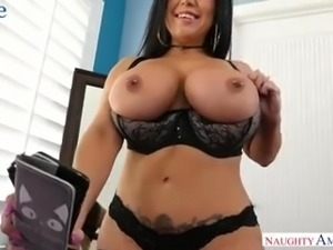 Tanned super bootyful MILF Sheridan Love greets her hubby with good BJ