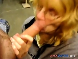 Horny mature housewife couldnt resists the huge bulge
