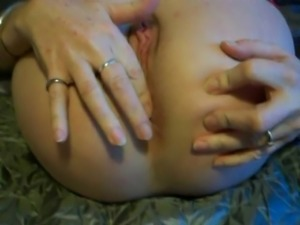 mature wife in red nylons rubbing her whore hole