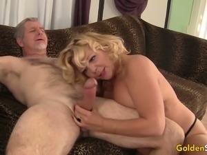 Big breasted harlot Karen Summers gets her meaty slit pounded mish