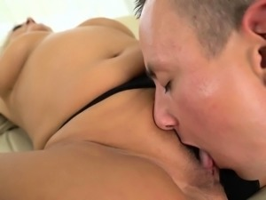 Granny whore gets licked