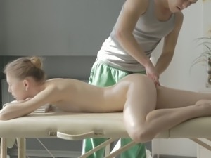 Too paly Russian girl Sofia Russo gets aroused after pussy stimulation