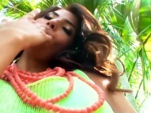 Twistys - Isabella De Santos starring at Show