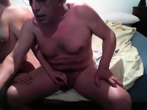 Naughty mature wife puts her sweet lips to work on a cock