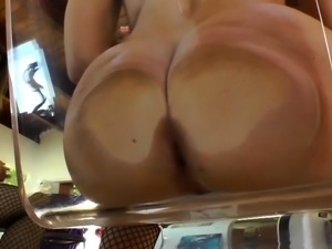 Buttplugged skanks show