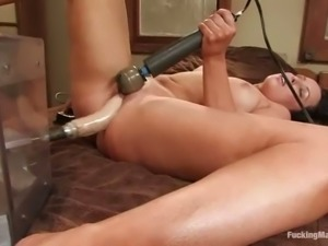 Alexa Von Tess Rubbing Clit with Vibrator while Fucked by Machine