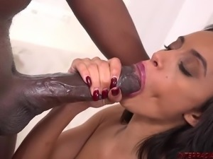 Mandingo pounds pussy of Gia Vendetti