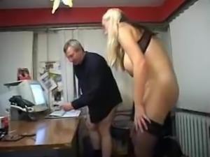 Kathleen White au bureau