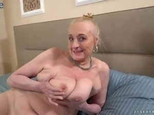 Used wrinkled old whore Sila gets her mature cunt fucked doggy style