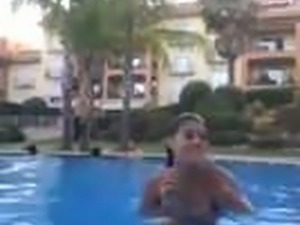Sexy Morrocan Babe Dance in Swimming pool