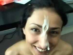 Indian babe sucks off her white lover