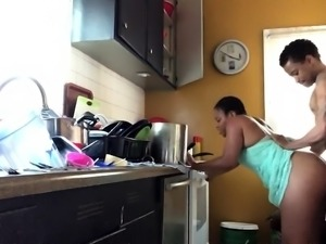 Ebony housewife with a fabulous booty gets banged doggystyle