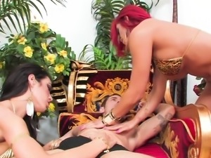 Capri And Mia Decide To Have A Threesome