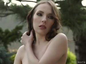 Slender chick with natural tits Lina Mercury gets analfucked outdoors