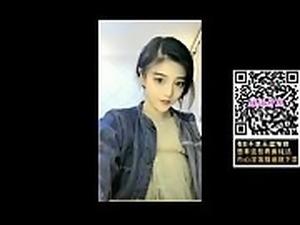 她【手机复制链接打开    http://u6.gg/d8569...