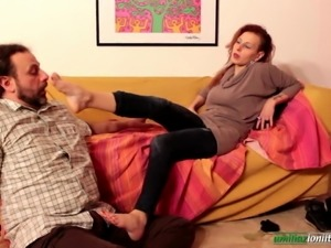 Amanda VS Ale - Only Smell and Foot Domination