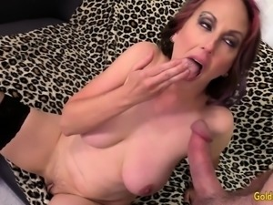 Older Skut Zoe Matthews Takes Thick Cock