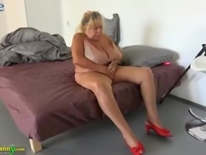 Mature chubby oldie gets her hungry twat fingered and licked by beauty