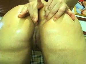 BBW Arab amateur girl fingers herself on webcam