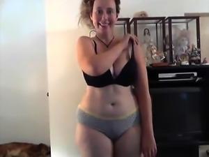amateur dirtykym flashing boobs on live webcam