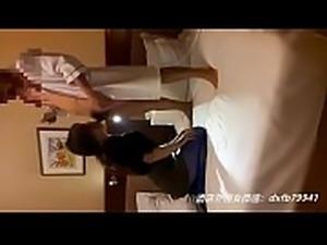 宾馆和火辣黑丝吊带袭人的嫩模---酒店外围女微信:dxfb79941