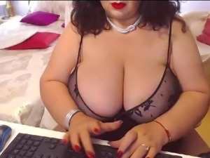 Free Live Sex Chat with BustyViolet