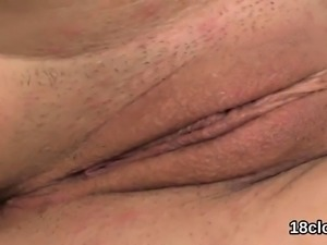 Lovable girl is gaping wet cunt in close up and clima14oCt