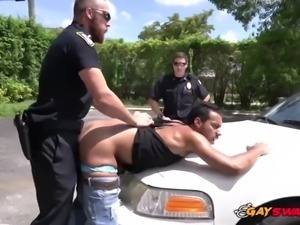 Gay cops catch horny guy under solicitation charges