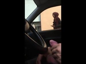 Dick flashing in car 21 - she looks